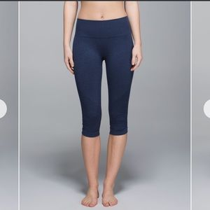Lululemon Heather Navy In The Flow Crop 6